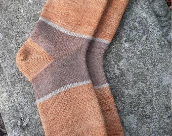 1910 Shepherd Socks-Color Block Socks, Men's Size 9-10 in Butternut, Moorit and Latte.