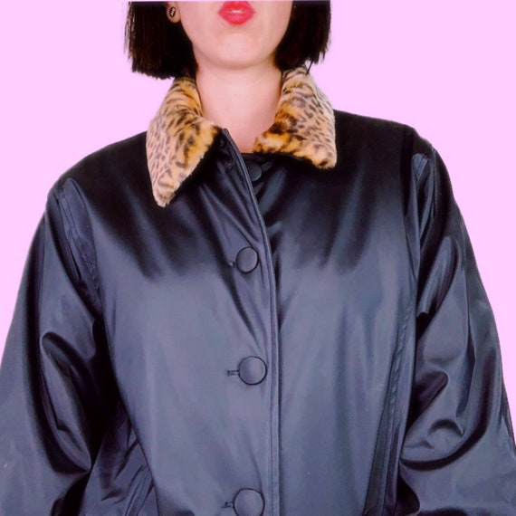 1990s TUDOR COURT Black and Leopard Print Puffer J