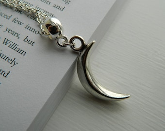 Large 3D Shinning Crescent Moon Charm. Silver Necklace.