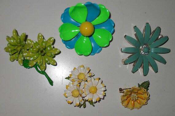 Enamel and metal flower pins 1960s vintage jewelry