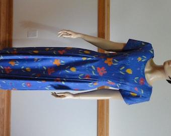 Vintage Dress, size 8,  Short Sleeve, Blue w/Flowers, String Tie Laces up Back, Retro Dress #333