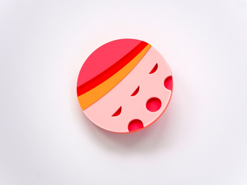 large coral and pink lichtenstein inspired brooch image 0