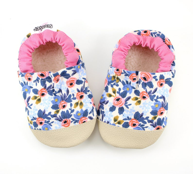 9b9e4b2007cf Flower baby shoes pink and blue moccs rubber soles shoes