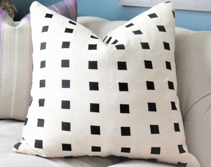 Kelly Wearstler Chalet in Ivory - Ivory and Black Modern Pillow - Designer Geometric Pillow Cover - Lee Jofa - Groundworks - Embroidered