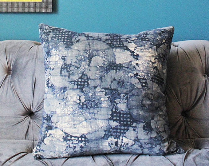 Sale 70.00 Kelly Wearstler Mineral Pillow Cover - Indigo Blue and Slate Lee Jofa Groundworks Pillow Cover