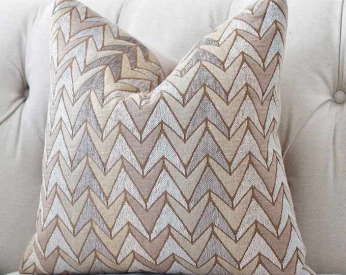 LAST ONE - Sale 25.00 20 x 20 Grey Brown Taupe Woven Zig Zag Chevron Pillow Cover