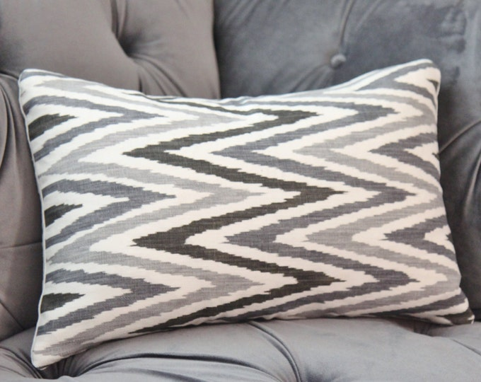 Sale - 35.00 Martyn Lawrence Pillow Cover - Gray Black & Ivory Geometric - Zebide Linen - Grey Chevron Throw - Charcoal - Motif Pillow