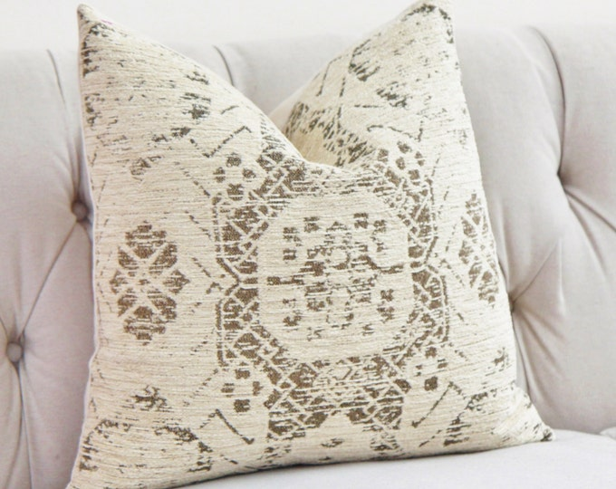 Ivory Pillow - Creme Beige Medallion Pillow Cover - Moroccan Throw Pillow - Shabby Chic Pillow - Rustic - Neutral Pillow - Motif Pillows