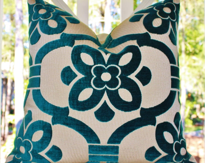 Sale 35.00 - Designer Turquoise Geometric Medallion Pillow Cover -  Peacock Blue Pillow - Modern Floral Geometric Teal Pillow