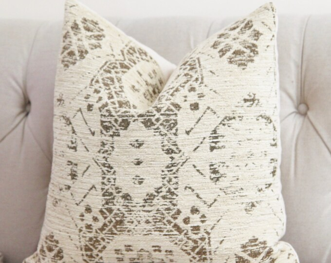 Creme Beige Medallion Pillow Cover - Ivory Moroccan Throw - Shabby Chic - Rustic - Neutral - Motif Pillows