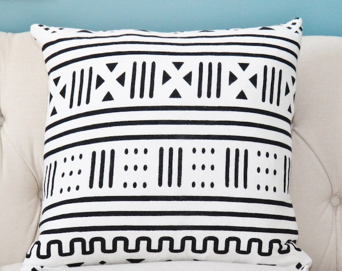"SALE 35.00 18"" or 20"" - Black & White Pillow Cover - African Mud Cloth - Ethnic Boho Pillow Cover - Black Home Decor - Motif Pillows"