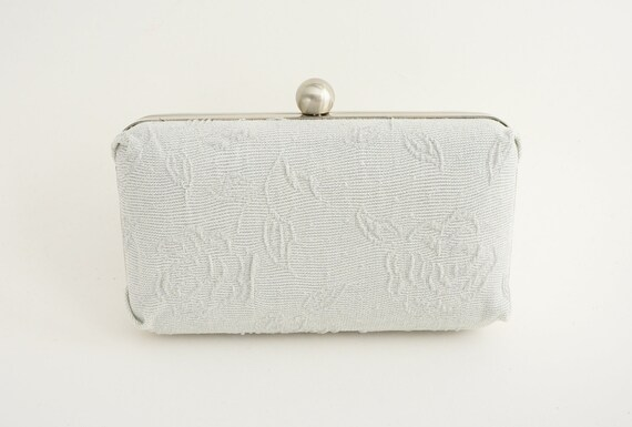 Silver Rose Box Clutch Purse - Old Hollywood - Vintage Style - Includes Shoulder Chain - Evening/Formal/New Year/Wedding Clutch Purse