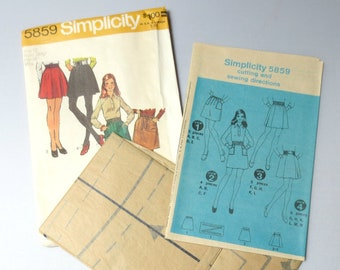 """1972 Simplicity Pattern 5859 Short Skirt, Uncut, Size 12 (Waist 26.5"""", Hips 36"""")"""