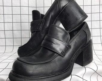 8da38c25633 Vintage 90 s Steve Madden Black Leather Flatform Platform Chunky Heel Slip  On Loafers Size 7
