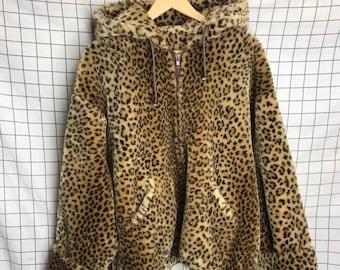 f1a9c9a74577 Vintage Oversized Cheetah Print Faux Fur Teddy Cozy Hooded Jacket