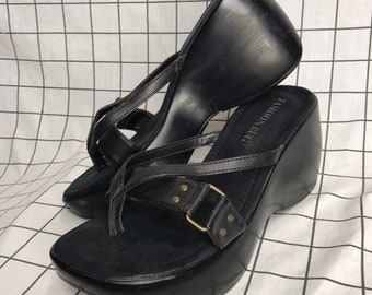 1297cb0a927 Huge 90 s All Black Thick Strap Buckle Platform Flatform Slip On Flip-Flops  Size 8