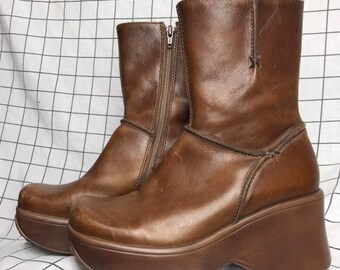 21517f0995e Vintage Steve Madden Groovy Mega Chunky Heel Platform Brown Leather Boots  Size 8.5