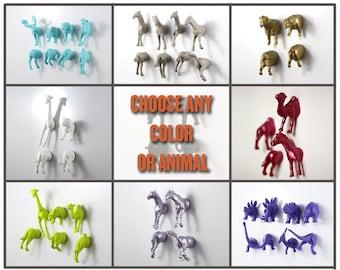 Set of animal magnets! Place card holders - Baby Shower favor - Gift for her - Gift for him - birthday gift idea - animal lover dog dinosaur