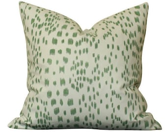 Brunschwig & Fils Les Touches Pillow Cover in Green