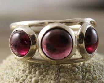 Silver ring with its 3 Almandine Garnet stones