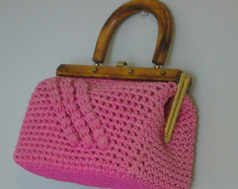 Vintage PINK WOVEN TOPHANDLE Bag/Purse/Handbag/Wood Handle/Crochet Bag