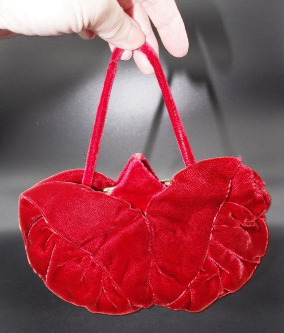 5e8ad10b70950 Vintage Evening Bag 1930s Small Red Velvet Flower Kiss Closure