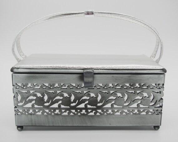 Vintage Handbag / Purse: 1960s Ande Silver Pleathe
