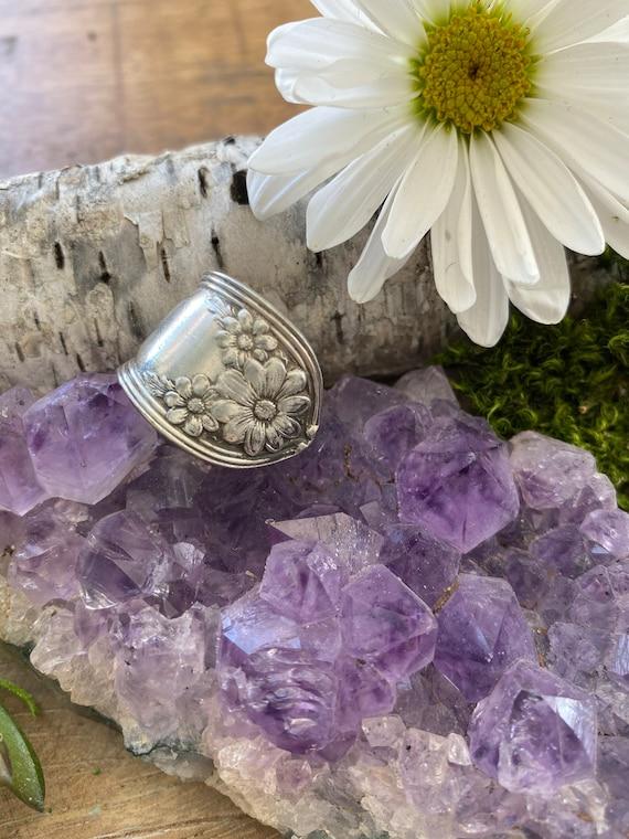 Vintage spoon ring, Flower spoon ring, spoon ring, flower ring, size 7, daisy spoon ring