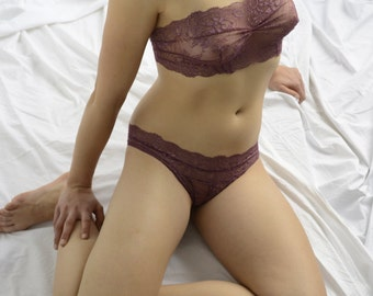 Bra Lingerie  - Sweet Plum  // Undies Bra in playful purple French Lace handmade of Fransik