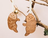 Otters Ornament (Comes with 2 Otters) - Christmas Gift, Newlyweds, Best Friends, Parent and Child, Animal Lovers