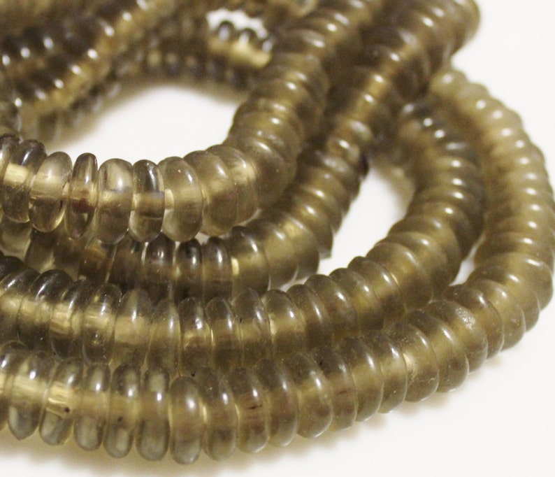 R111 Ethnic Beads Recycled Glass Beads made in Africa 54 cm Strand