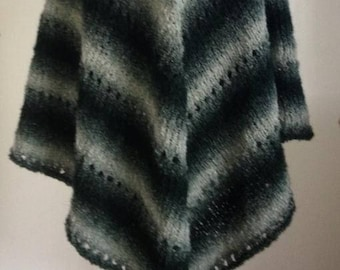 Large - beautiful green poncho hand knitted