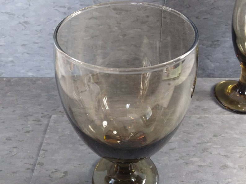 LIBBEY PEDESTAL GLASS Classic Smoked Brown in Excellent Condition!