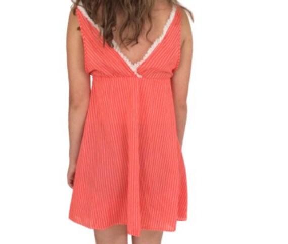 Vintage Slip dress 70s pin-up lingerie cover up n… - image 4