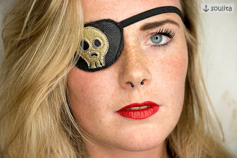 Eye Patch Golden Skull  Leather gold  Pirate Accessory  image 0