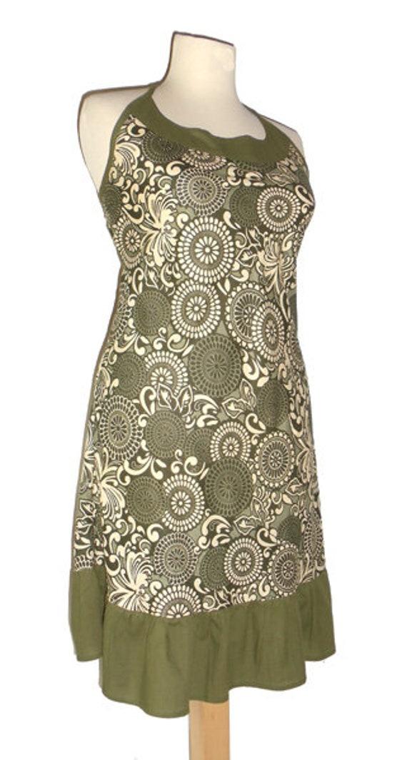neckholder kleid lang oliv