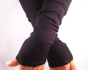 Arm warmers, fingerless gloves in Black Lace top in black