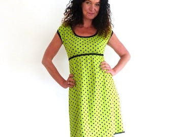 Dress in a-shape, puff-arm-green, dots black