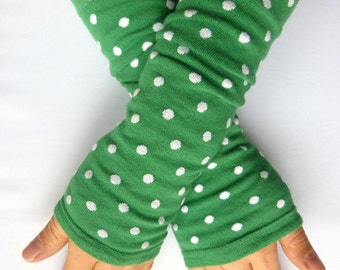 Arm warmers, fingerless gloves in green, white dots