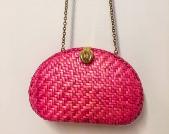Vintage Pink Straw Clutch Crossbody Purse with Gold Chain Strap