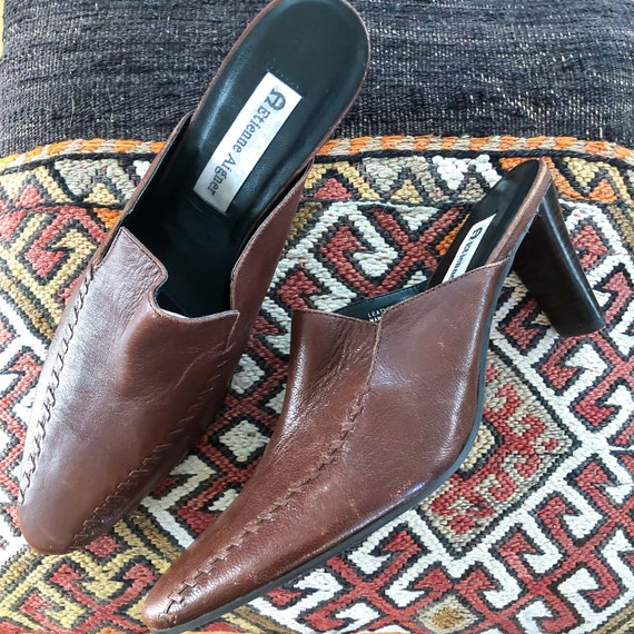 Vintage Brown Leather 1990's Slide On Mules : Siz… - image 1