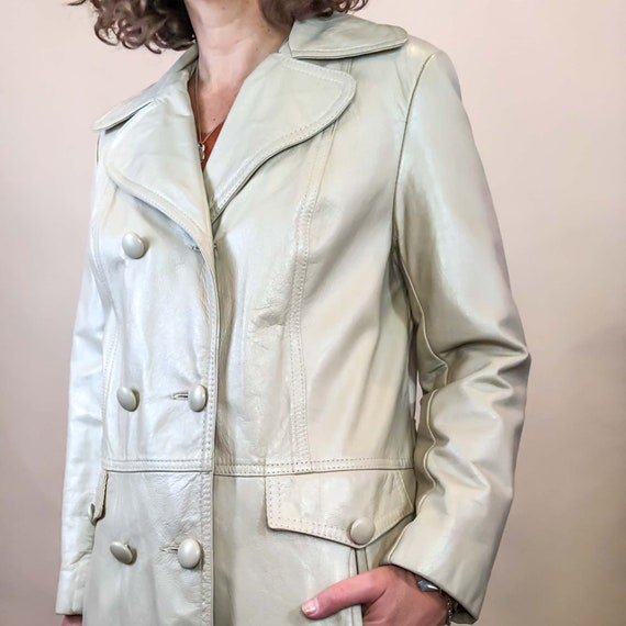 Vintage Ivory Leather Trench Coat : Medium Petite