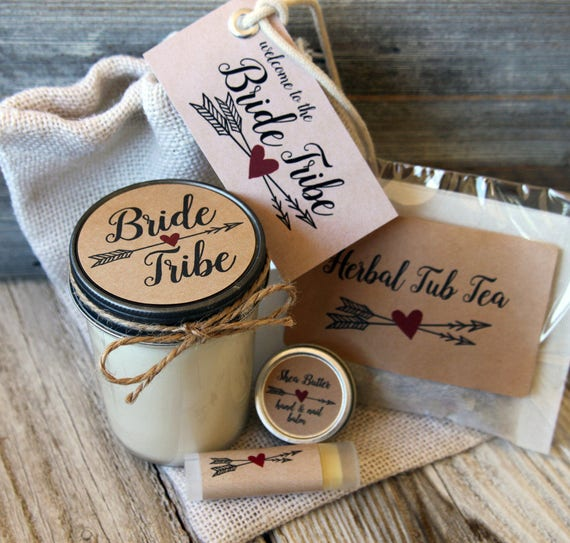 Set of 2 - Will you be my Bridesmaid Gift // Will you be my Maid of Honor Gift // Bridesmaid Candle // Maid of Honor Gift // Bridesmaid Gift