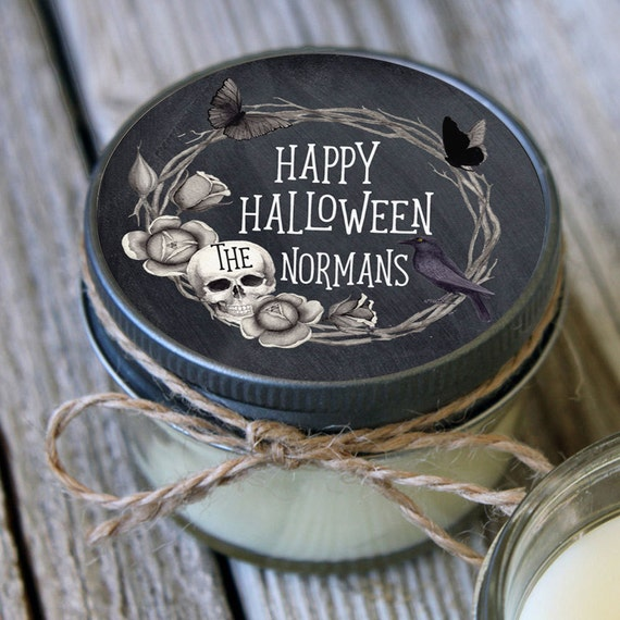 12 - 4 oz Holiday Candle Favor//Laurel Design//Candle Halloween Gift//Personalized Holiday Gift//Halloween Party Favor