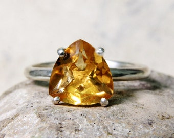 November Birthstone Jewelry Trillion Cut Citrine Ring Sterling Silver Citrine Stacking Ring Dainty Triangle 925 Silver Minimal Ring