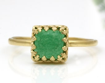 Gift for Her Jade Stone Ring Green Vintage Solid Gold Ring Natural Green Jade Ring Valentine/'s Day Gift Ring Dainty Stacking Ring