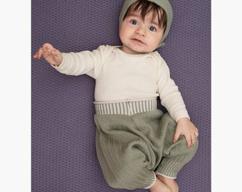 Sarouelpants knit from poor new wool - grows with the Baby