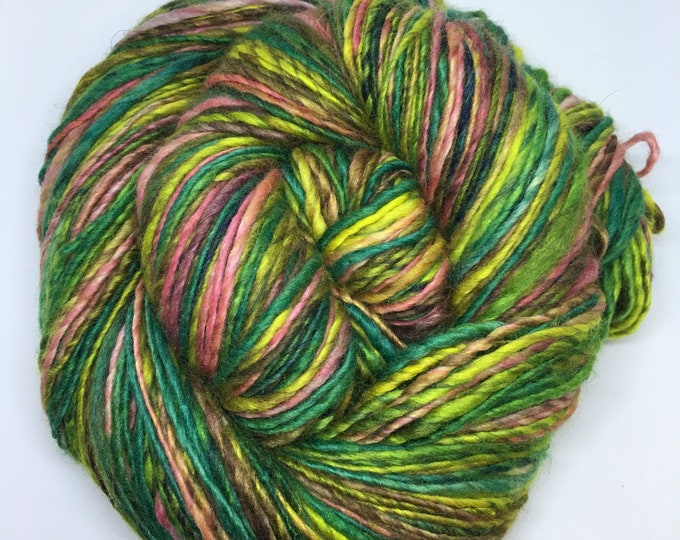 Rochella | handspun | single | sport weight | merino/silk blend | very soft | handpainted | emerald green | pink | yellow | brown