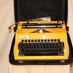 Working typewriter Vintage typewriter Erika with a case Yellow typewriter Portable typeriter German typewriter with new ribbon