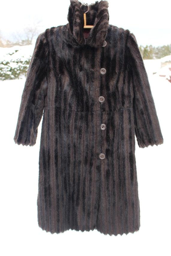 Vintage Pelz Mantel Größe M 38 Faux Pelz Mantel sowjetischen Vintage Fell Mantel hervorragenden Zustand schwarzes Fell Mantel lange Fell Mantel Damen